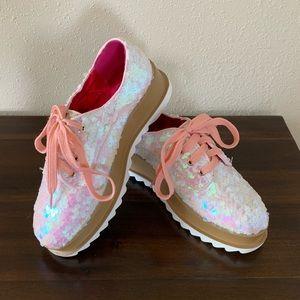 White Iridescent Platform Shoes w/Pink Laces Sz. 7